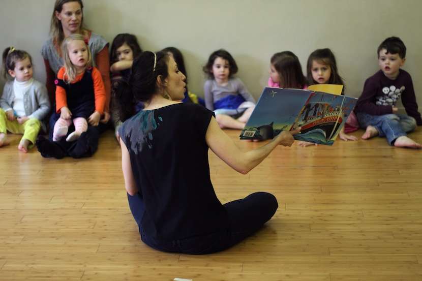 Jocelyn Greene reads Circus Ship in Child's Play NY Class